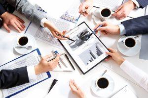 クライアントと密な打ち合わせにより課題と問題点を見つけます